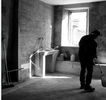 vider une cave paris avec une soci t de d barras de confiance. Black Bedroom Furniture Sets. Home Design Ideas
